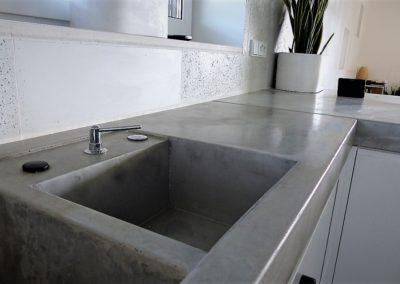umywalka z blatem z betonu
